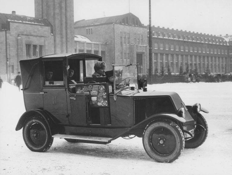 Päivän taksiauto: Toisen luokan taksi joulukuussa 1926