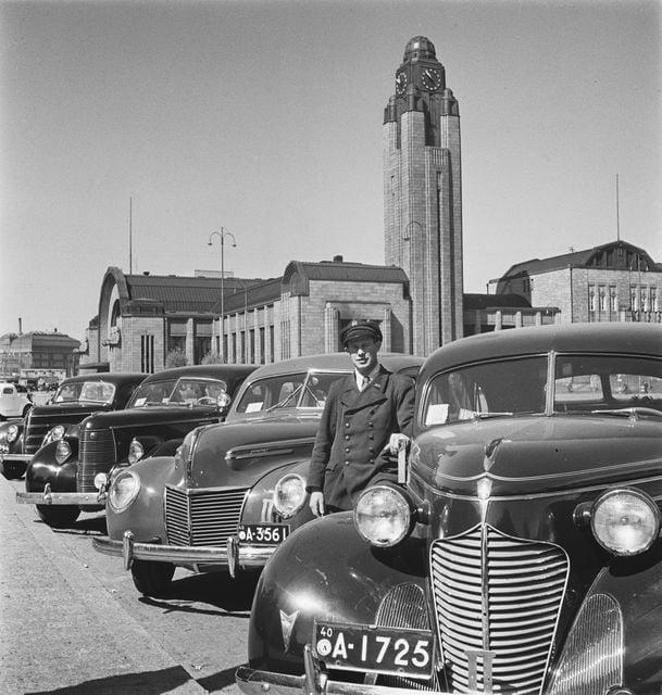 Päivän taksiauto: Takseja Rautatientorilla
