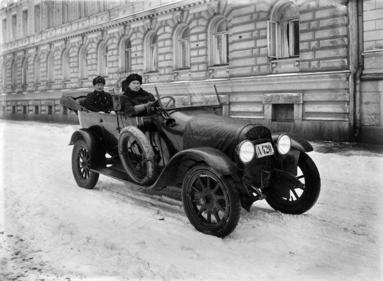 Päivän taksiauto: Komea Opel vuodelta 1923