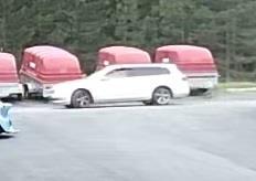 Poliisi kaipaa tietoa tästä Passatista Lempäälän peräkärryvarkauteen liittyen