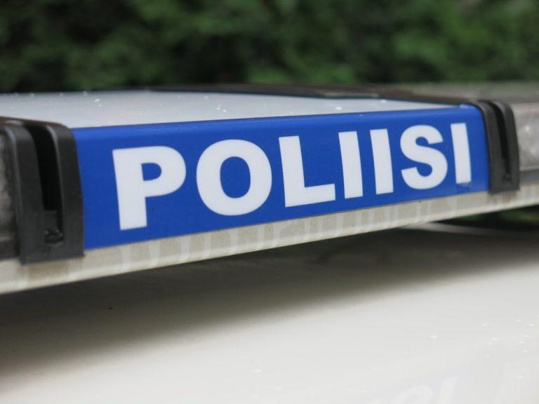 Poliisi on löytänyt Valkeakosken pyöräilijään törmänneen BMW:n ja sen kuljettajan