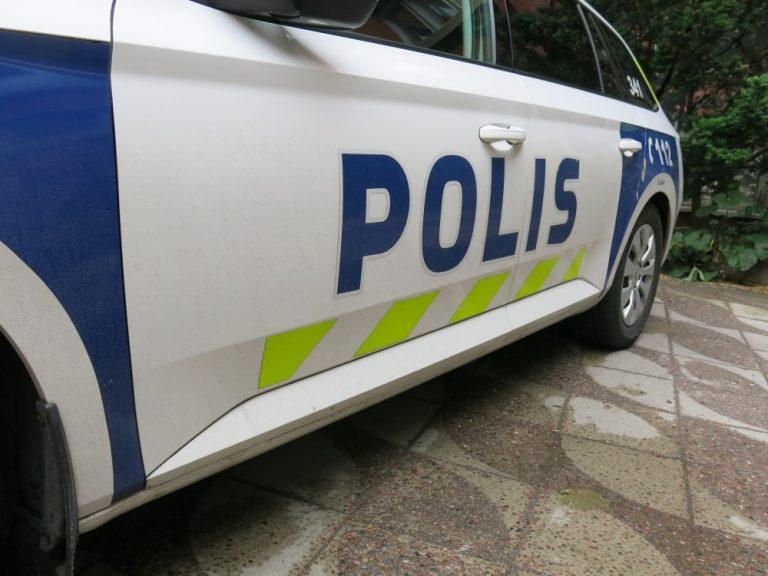 Rattijuoppo pakeni poliisia moottoritiellä vastaan tulevien kaistaa pitkin