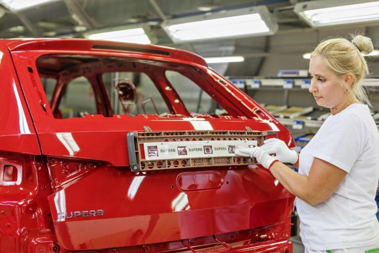 Škoda käynnisti uudistetun Superb-mallinsa tuotannon