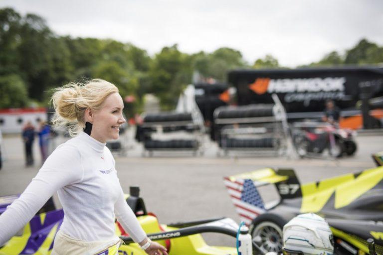 Naisten formulasarja: Kimiläinen ajoi kakkoseksi Brands Hatchissa