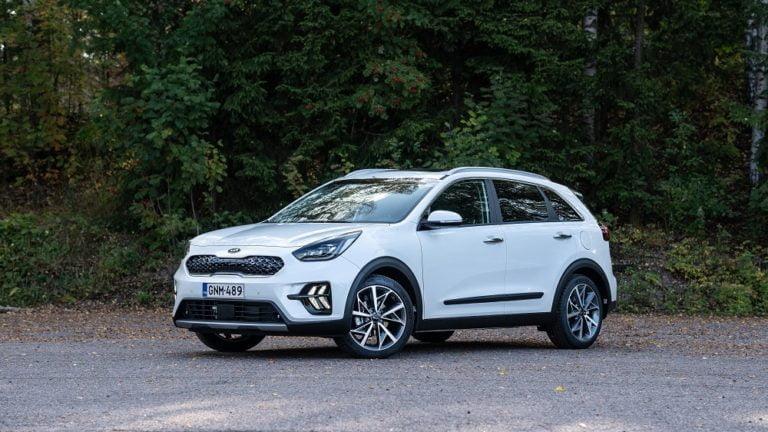 Kia tuo ensi vuonna markkinoille useamman hybridin ja uuden sähköauton