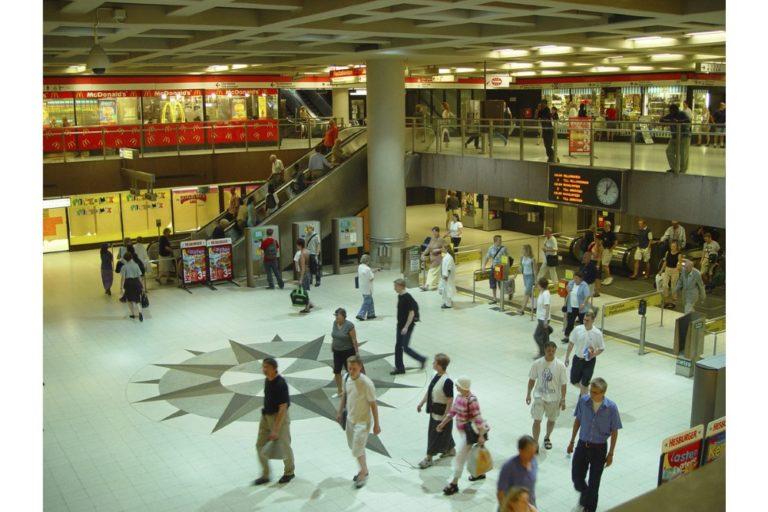 Rautatientorin metroasema aukeaa maanantaina — hissit eivät kuitenkaan toimi