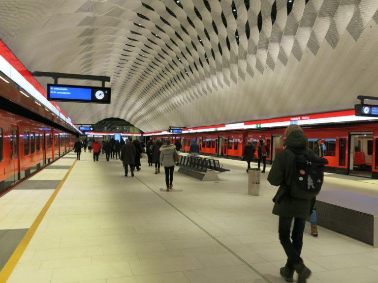 Rankkasade katkaisi metroliikenteen — yhteys poikki Rautatientorin asemalla