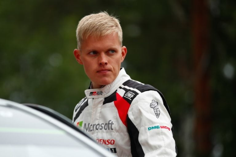 WRC: Kolmen kärki 16,3 sekunnin sisällä ennen päivän viimeistä erikoiskoetta