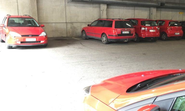 Päivän kuva: Punaiset autot