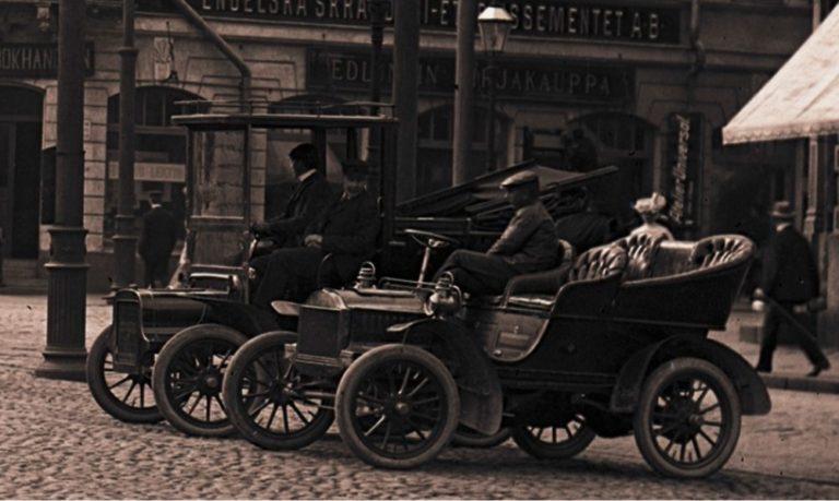 Historian havinaa: Viime vuosisata, autolla liikkumisen historiaa