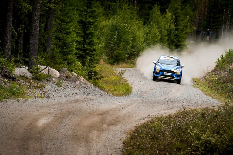 WRC: Sami Pajari kaatoi autonsa JWRC-luokassa
