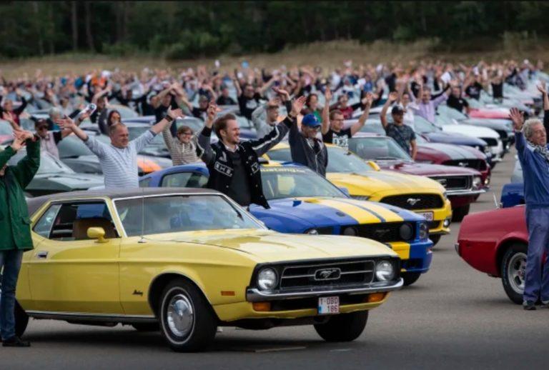 Uusi ennätys: Ford Mustang -kulkueessa 1 326 Mustangia