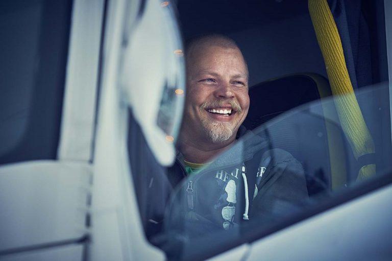 Huomisesta alkaen pääsee eri puolella Suomea kokeilemaan Volvo Trucksin kuorma-autoja