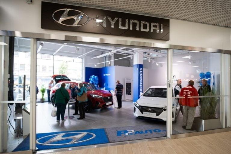 Hyundai avasi uudenlaisen esittelytilan Lohjan Kauppakeskus Loheen