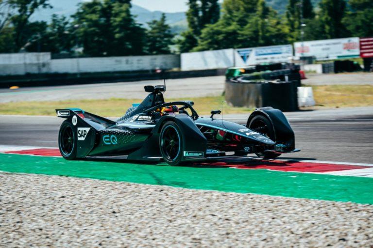 Sähköiset Hopeanuolet aloittavat Formula E -sarjassa