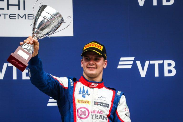 F3: Niko Kari päätti kautensa palkintopallille