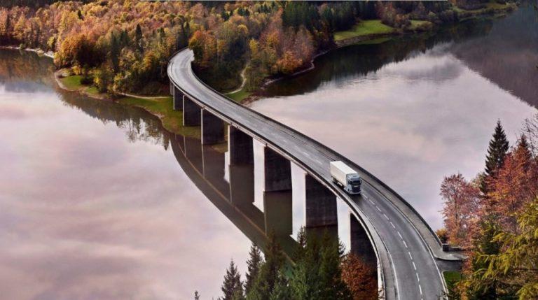 Scania keskeyttää työt tunniksi ja antaa henkilökunnalleen ilmastokoulutusta