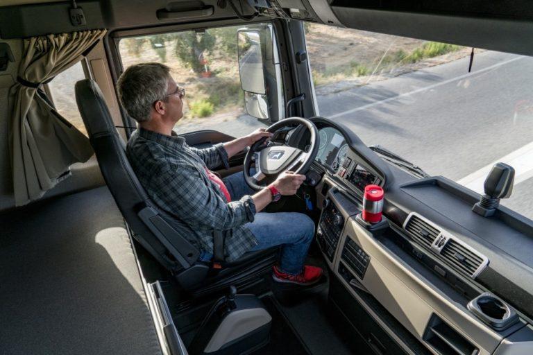 MAN Suomi hakee tosielämän MAN-kuljettajia mainoskasvoiksi