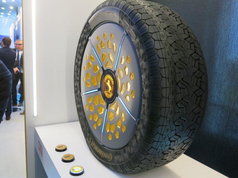 Continental esitteli Helsingissä mullistavan rengasratkaisun — vannekoko ja rengaspaine vaihtelee ajon aikana