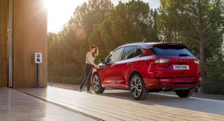 Ford on tehnyt yhteistyösopimuksen eurooppalaisen sähköautojen latausverkoston kanssa