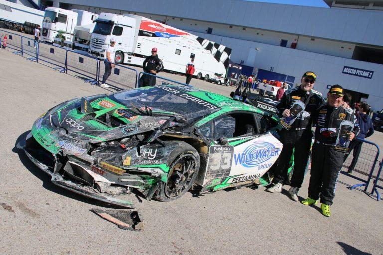Lamborghini-sarja: Juuso Puhakalle hopeaa ja Mikko Eskeliselle pronssia Lamborghini Super Trofeo ratasarjoista