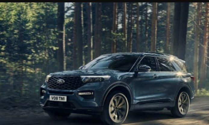 Ford Explorerin ladattavan hybridin (PHEV) ja Mustang Mach-E -täyssähköauton hinnat julkistettu