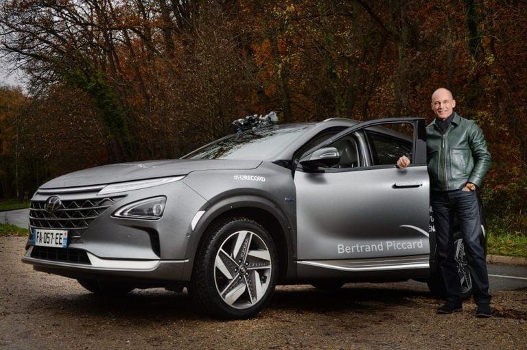 Kuumailmapalloilija Bertrand Piccard teki Hyundai Nexolla polttokennoautojen maailmanennätysmatkan