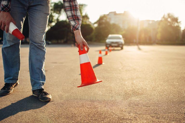 Liikenneopettajat: Ajokorttilaki saatava kuntoon — opetuspainotteinen malli takaisin ja laiton kaupallinen opetuslupaopetus kitkettävä