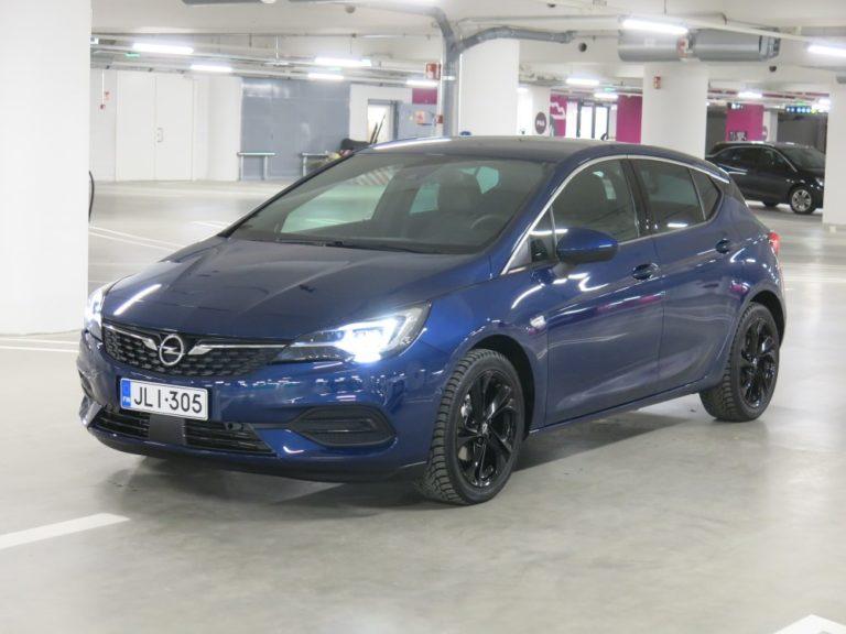 Uusi Opel Astra kulkee aikaisempaa vähemmällä