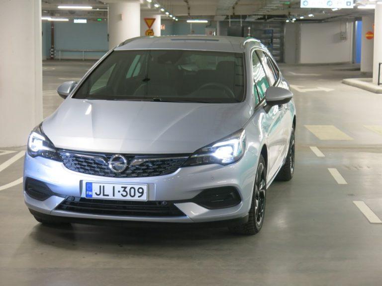 Uusi Opel Astra on hinnoiteltu — halvin malli maksaa nyt runsaat 21 000 euroa