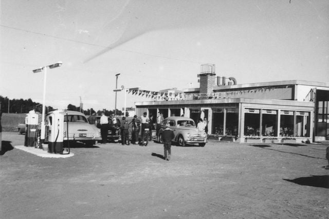 Päivän huoltoasema: Porin Itsenäisyydenkadun Gulf-huoltamo 1960