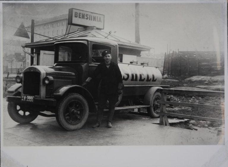 Päivän huoltoasema: Shellin asema Helsingissä 1930