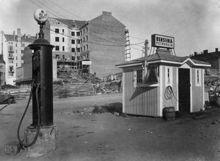 Päivän huoltoasema: Shellin Bensiini- ja petrooliasema Helsingin Vaasankadulla