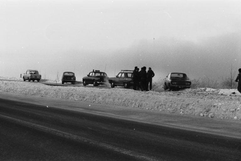 Päivän kolarikuva: Ketjukolari Turunväylällä Tarvon saaren kohdalla 1970