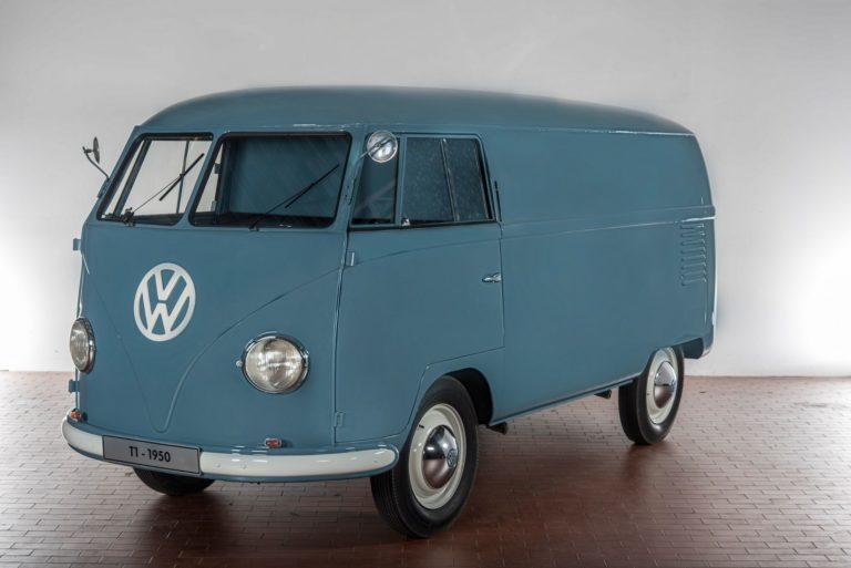 Volkswagen Transporter esiteltiin ensimmäisen kerraan tasan 70 vuotta sitten