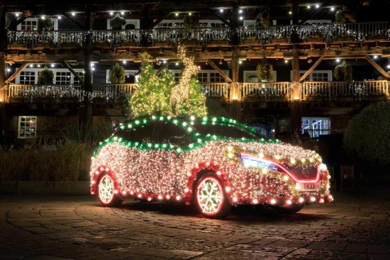 Nissan Leafista tehtiin joulukoriste