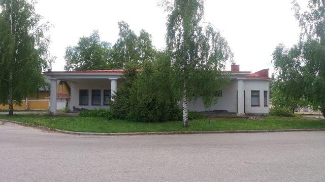 Päivän huoltoasema: Suojeltu entinen Esson huoltoasema Nurmeksessa