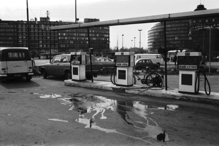 Päivän huoltoasema: Helsingin Hakaniementorin Esso