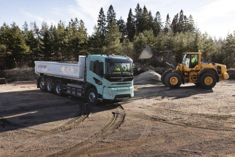 Volvolta raskaat sähkökäyttöiset konseptiautot maansiirto- ja aluekuljetuskäyttöön