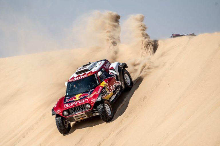 Carlos Sainz ajoi kolmannen kerran Dakar-rallin voittoon