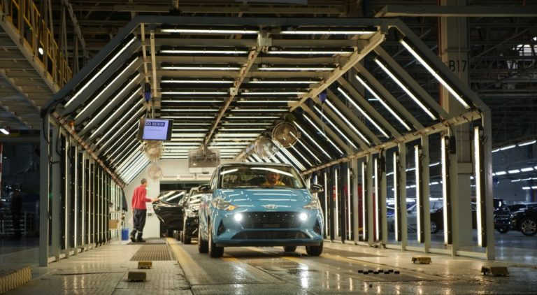 Uuden Hyundai i10 -mallin valmistus on alkanut — halvin versio maksaa 13 990 €