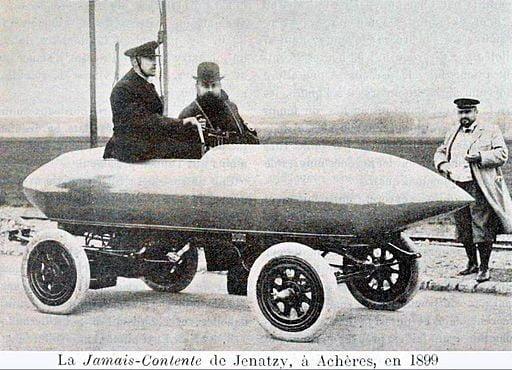 La_'Jamais-Contente'_de_Jenatzy_à_Achères_en_1899