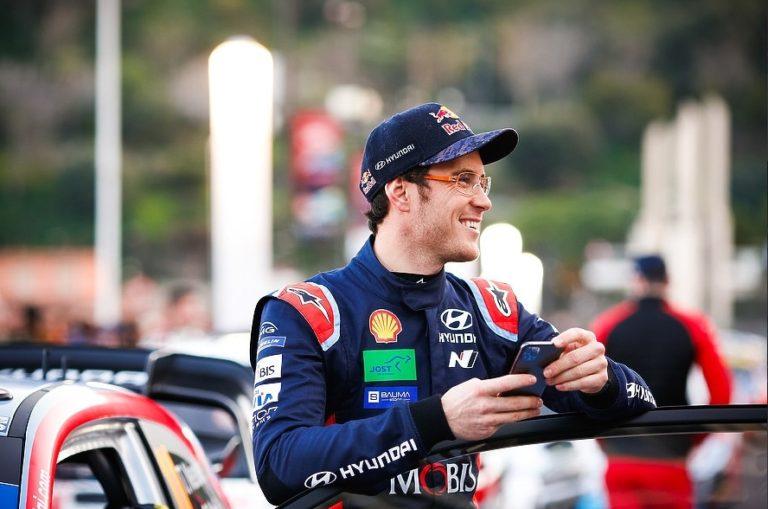 WRC: Neuville ajoi voittoon ja Ogier nousi toiseksi