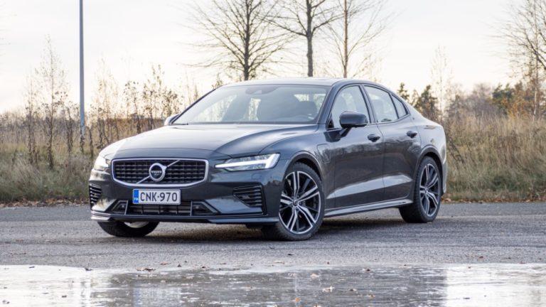 Autotoday tutustui: Volvo S60 T8 R-Design — tehopakkaus ja alle 5 sekunnin kiihtyvyys