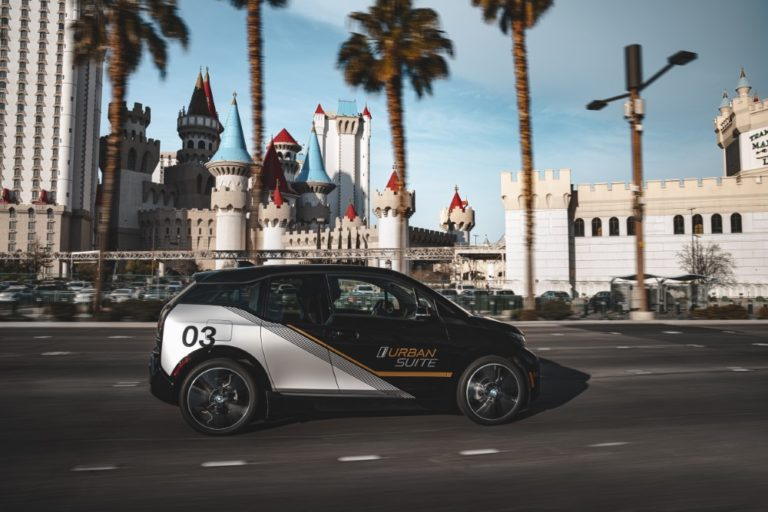 BMW esittelee tulevaisuuden autoilua CES-messuilla Las Vegasissa