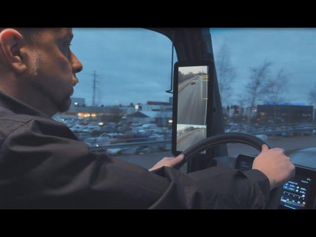 Videoesittelyjen avulla pääsee tutustumaan Mercedes-Benz Actrosin saloihin