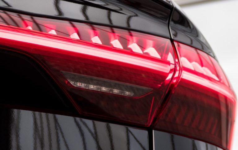 Teknikens Värld: Väärä pesuaine voi rikkoa Audin takavaloja