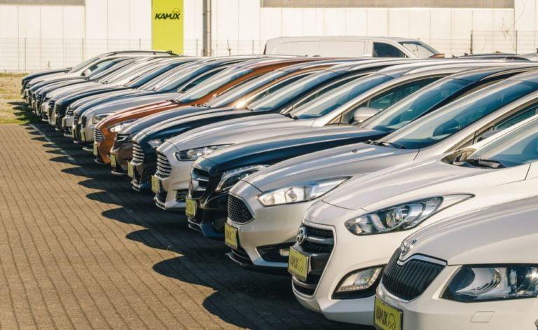 Hieman erikoisemmat autot kiinnostivat maaliskuussa Kamuxin verkkosivuilla