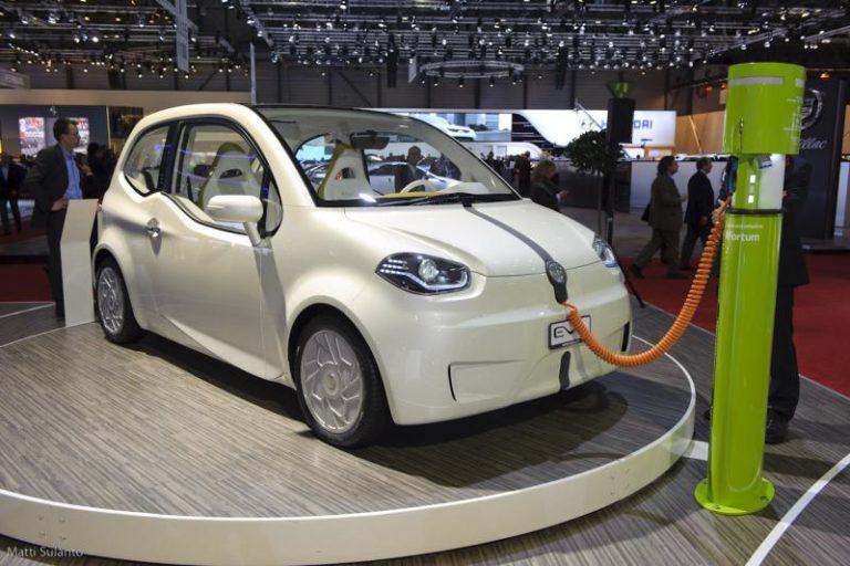 Autotoday 10 vuotta sitten: Valmet Automotive esittelee Geneven autonäyttelyssä sähköisen konseptiauton