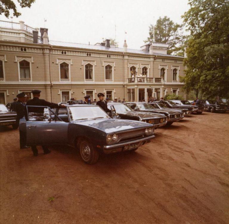 Päivän poliisiauto: Jenkkiauto turvaamassa valtiovierailua